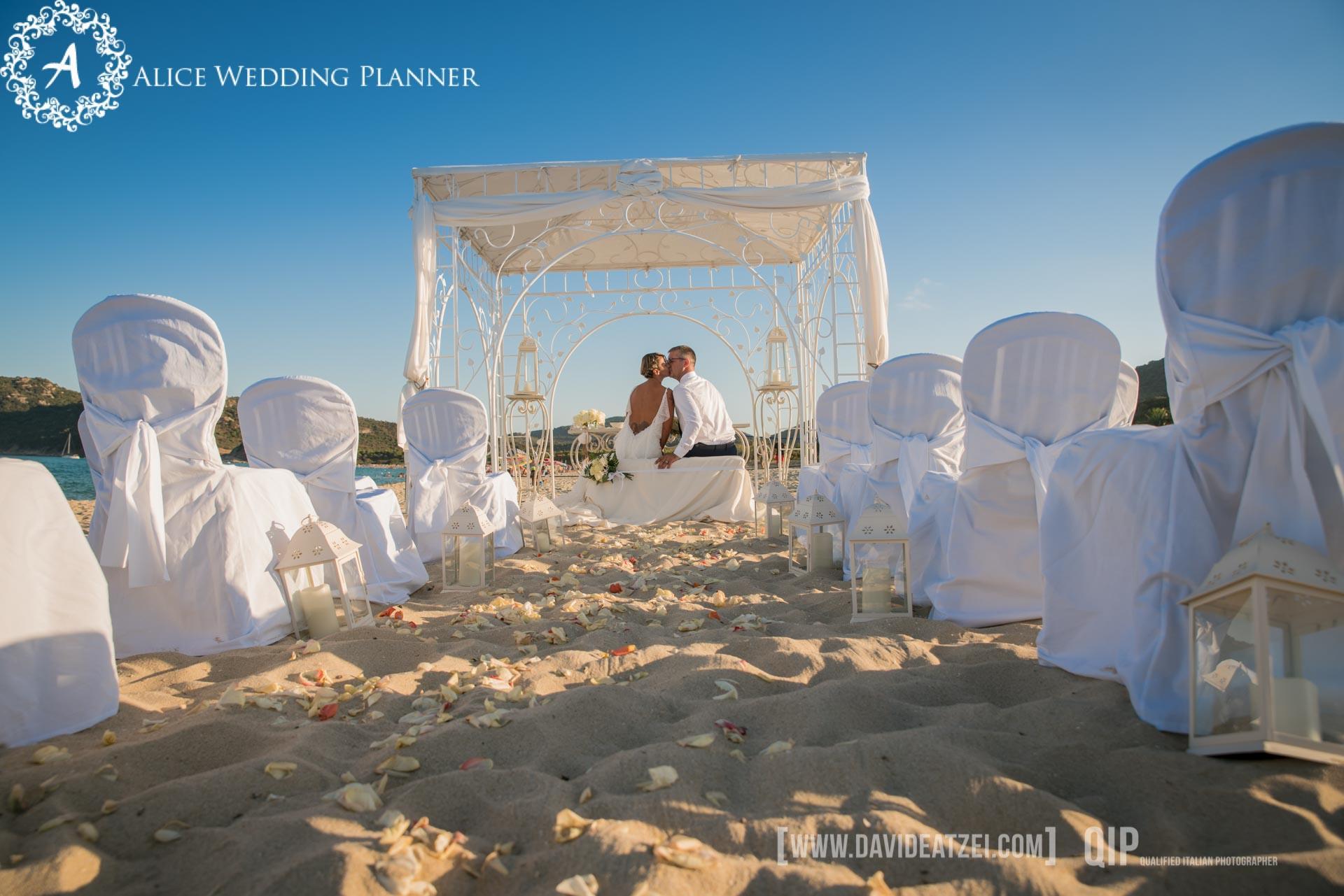 Matrimonio Spiaggia Bibione : Matrimonio in spiaggia ed è subito amore! sopravvivere all